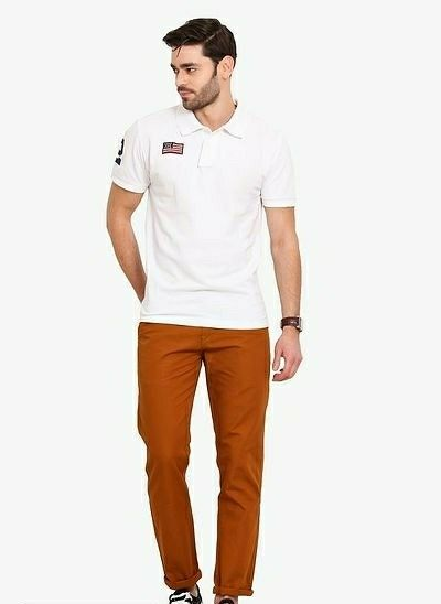 Men's Smart Fit Solid Cotton Chinos  - LeZaa